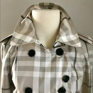 Burberry Jackets & Coats - NWOT $900 Authentic Burberry Trench
